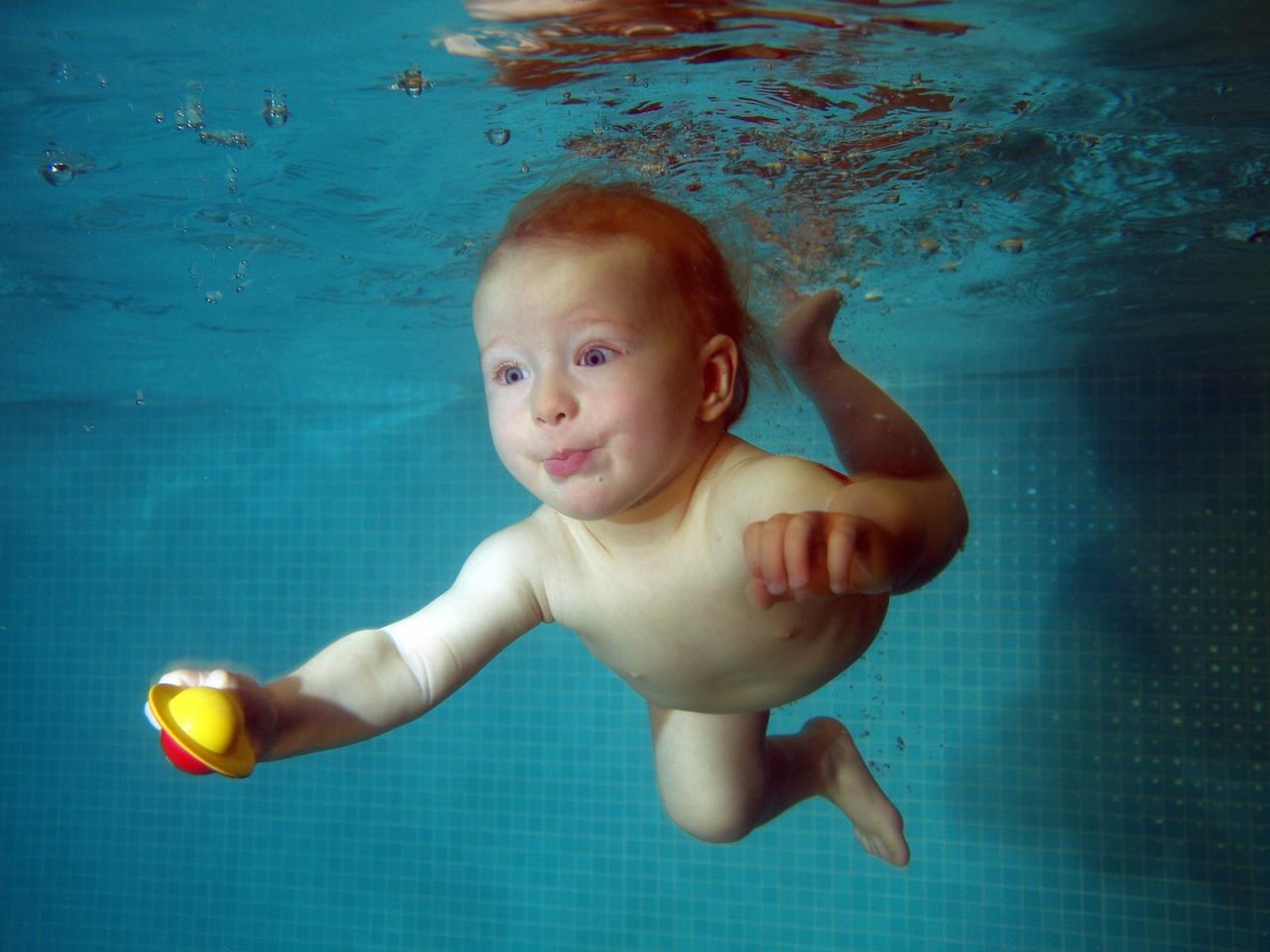 Děti se učí plavat s Filia.cz
