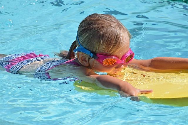 Plavání pro starší děti s Filia klubem